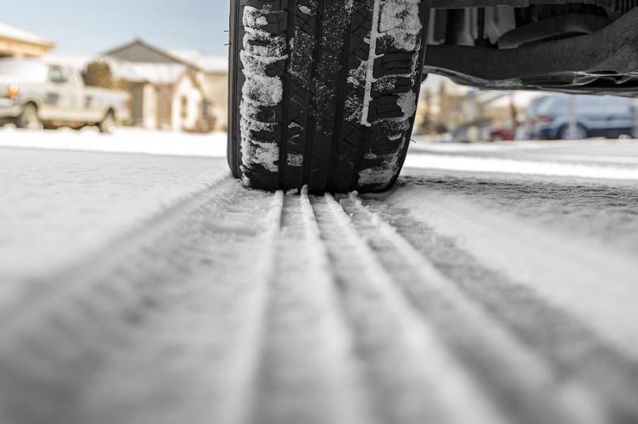 Pneu carro neve