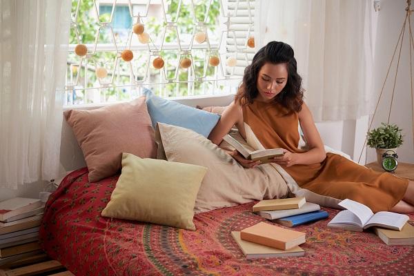 quarto aconchegante travesseiros